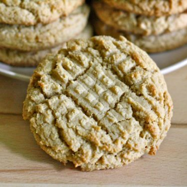 whole wheat peanut butter cookies // cait's plate