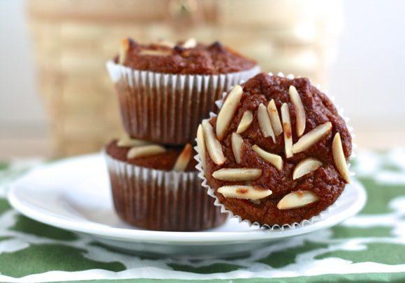 spiced paleo pumpkin almond muffins