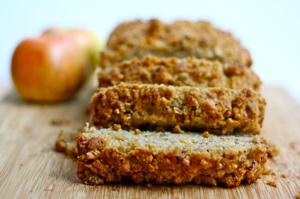 whole grain apple pie bread // cait's plate