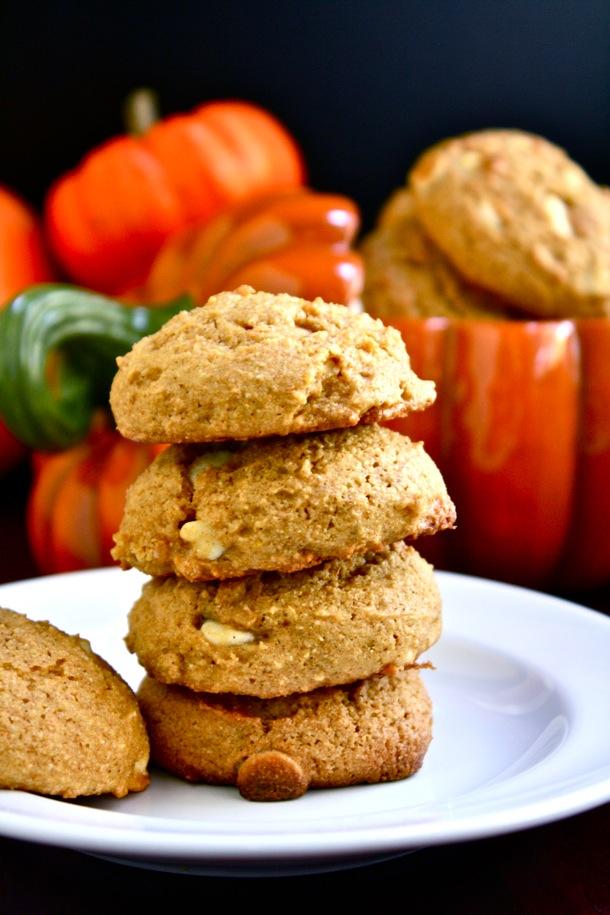 whole grain soft pumpkin white chocolate chip cookies // cait's plate