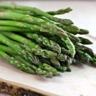 ROASTED ASPARAGUS WITH TOASTED WALNUTS AND FETA