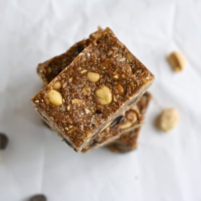 NO-BAKED DOUBLE CHOCOLATE PEANUT BUTTER GRANOLA BARS
