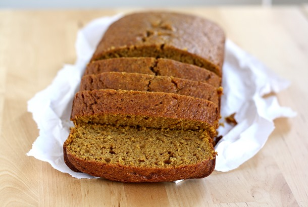 whole grain pumpkin bread // cait's plate