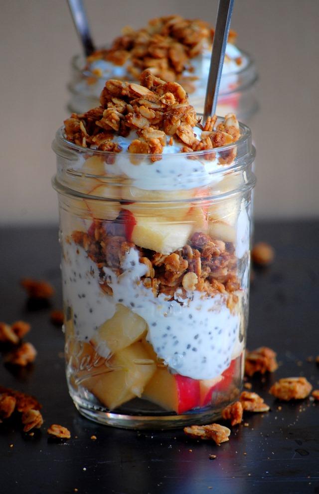 4-ingredient apple + peanut butter granola chia seed parfait // cait's plate