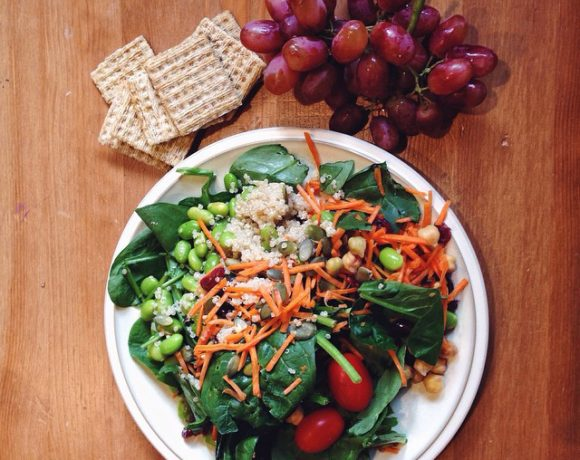 A WEEK OF EASY, BALANCED MEAL & SNACK IDEAS: MONDAY