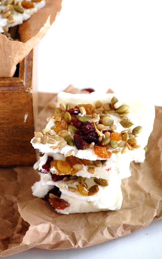 two ingredient greek yogurt bark - the perfect easy, refreshing summer snack! // cait's plate