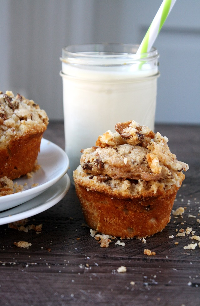 gluten-free peace love and crumble muffins by ginnybakes - back to school just got a little easier! // cait's plate
