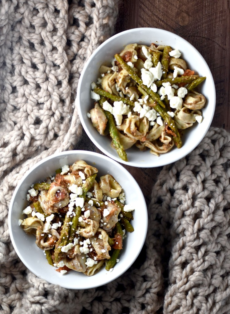 whole grain cheese tortellini with pesto, pan-seared tomato and asparagus - a well-rounded meal that comes together in minutes! // cait's plate