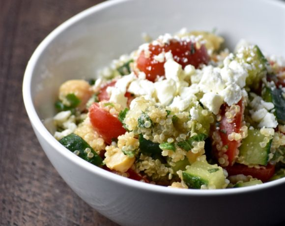 QUINOA GRAIN SALAD WITH CHICKPEAS AND FETA
