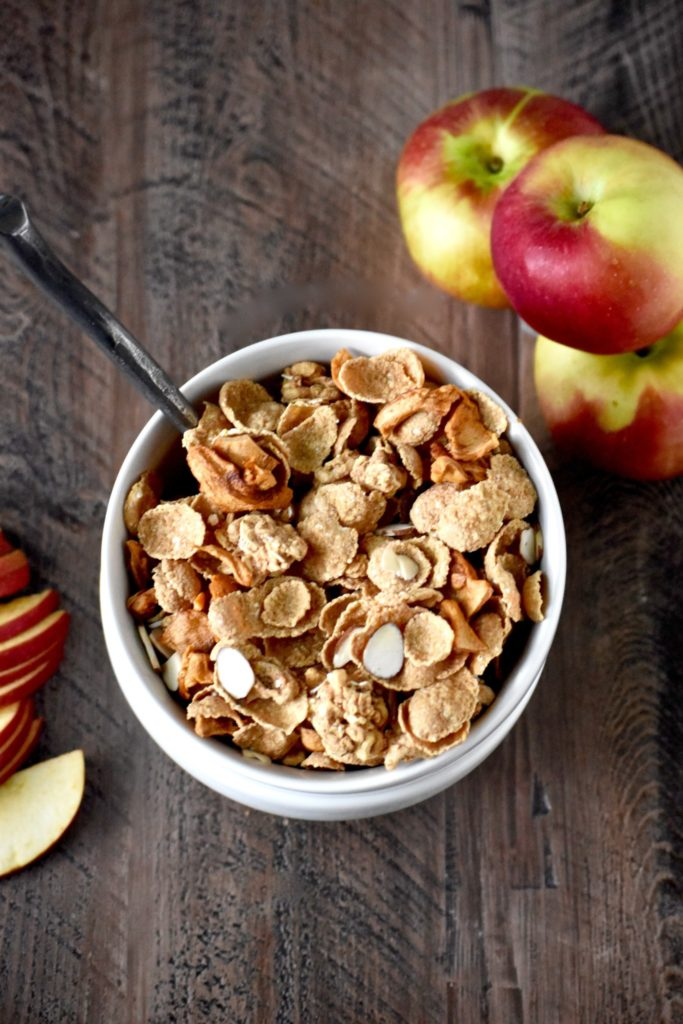 apple cinnamon almond breakfast cereal - a autumnal take on an everyday breakfast! // cait's plate