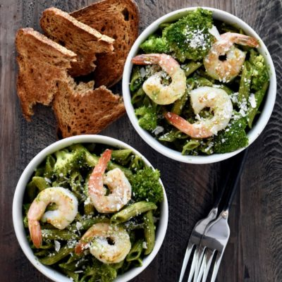 15-minute pesto & broccoli shrimp pasta