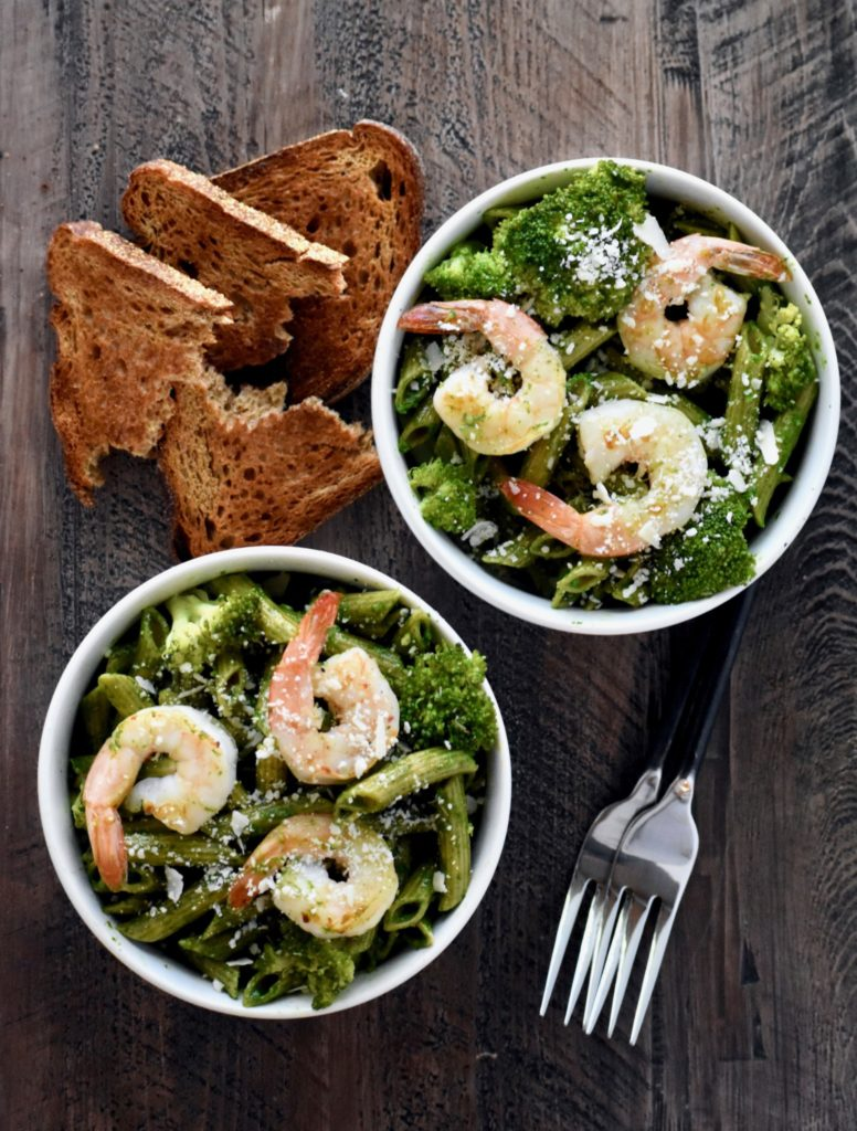 shrimp and spinach walnut pesto over whole wheat penne - a hearty, satisfying meal that can be made in 15 minutes start to finish! // cait's plate