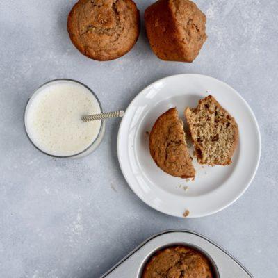 whole grain cinnamon banana walnut muffins