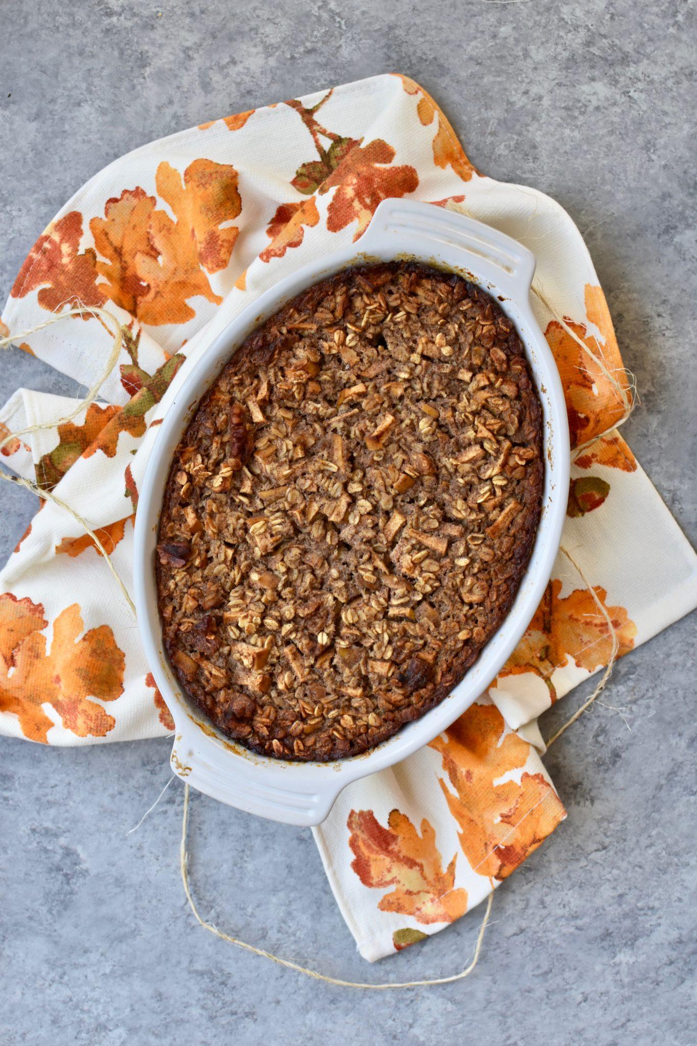 apple cinnamon walnut baked oatmeal // cait's plate