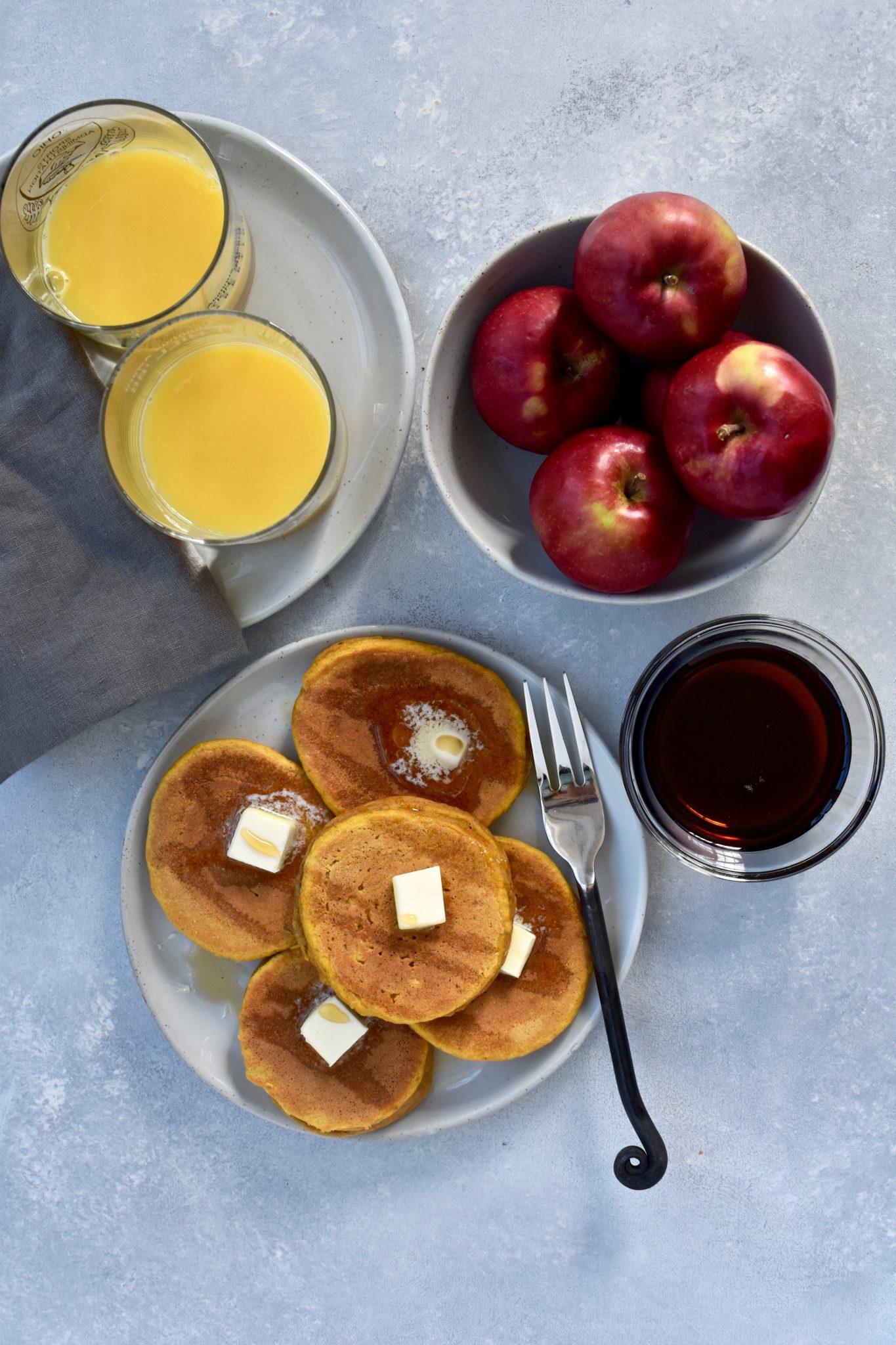 whole grain peanut butter pumpkin pancakes // cait's plate