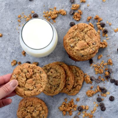 whole grain peanut butter chocolate chip granola cookies