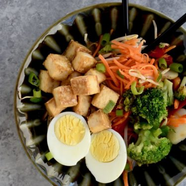super simple veggie-packed ramen with roasted tofu // cait's plate