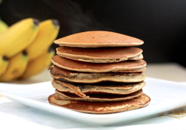 gluten-free banana bread pancakes // cait's plate