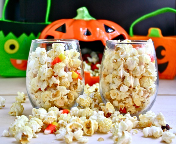 halloween movie night popcorn // cait's plate