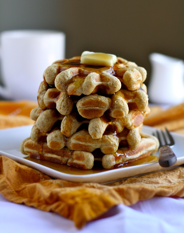 easy banana bread waffles // cait's plate