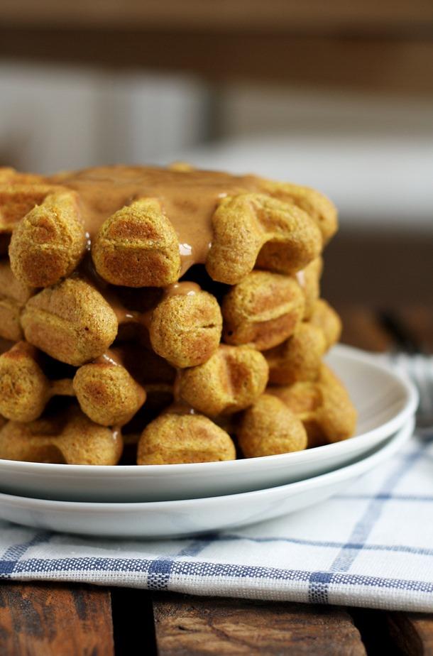 pumpkin pie spiced whole wheat waffles // cait's plate