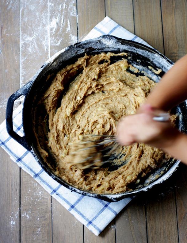 whole grain chocolate chip banana yogurt skillet cake // cait's plate