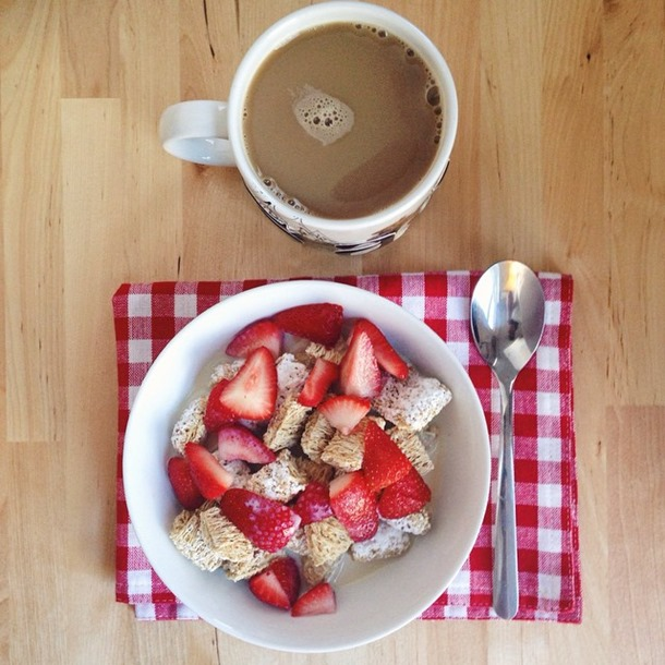 breakfast #4 - healthy eating on a budget week 8 // cait's plate
