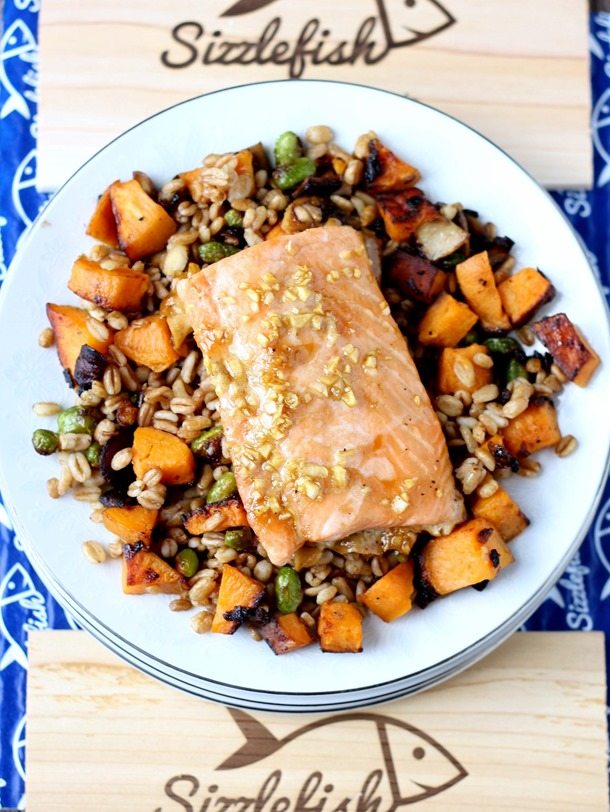 maple glazed salmon over mixed vegetable farro - a healthy and satisfying meal the whole family will love! // cait's plate