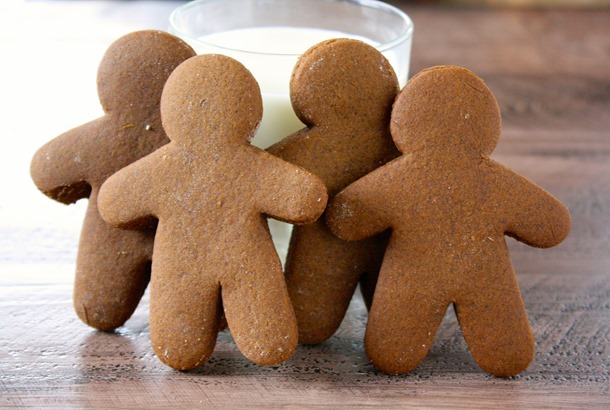 classic holiday gingerbread men // cait's plate
