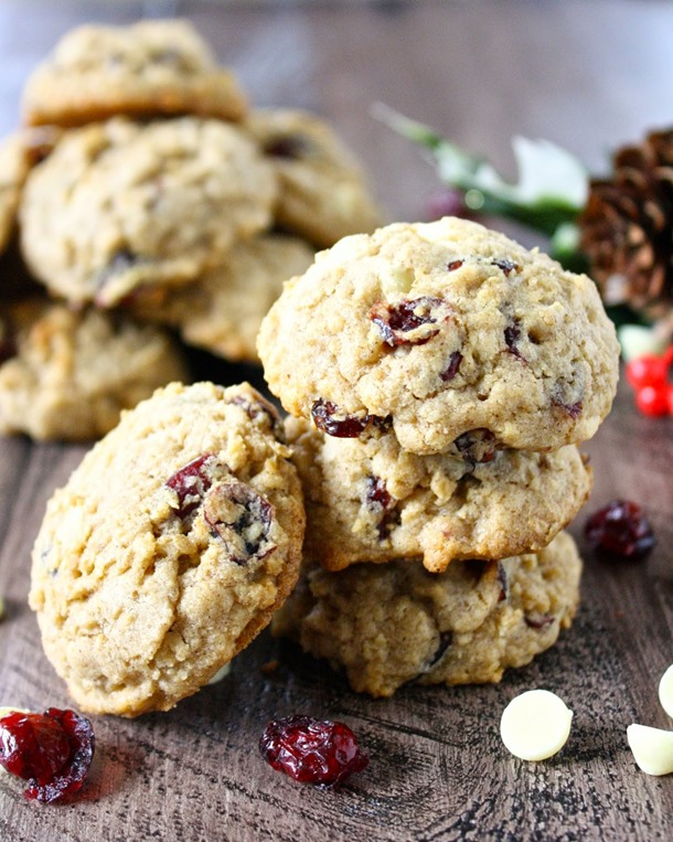 white chocolate cranberry oatmeal cookies // cait's plate