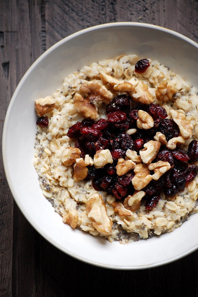 cranberry walnut chia seed oatmeal - a filling and deliciously healthy start to the day! // cait's plate