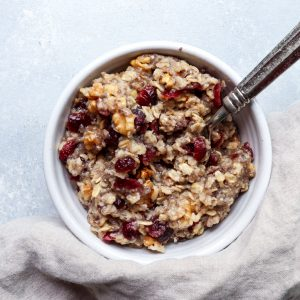 cranberry walnut oatmeal // cait's plate