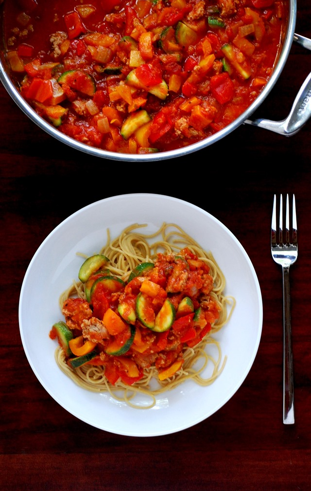 veggie loaded spicy turkey pasta sauce - comes together in minutes for a wholesome, filling meal! // cait's plate