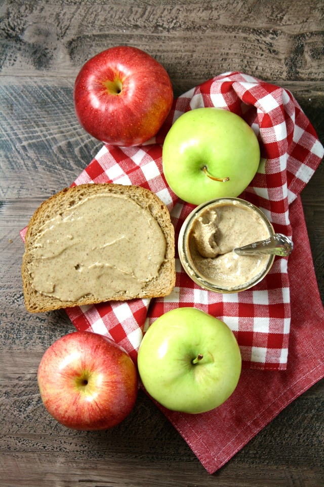 cashew almond hazelnut butter - the easiest, most delicious nut butter! // cait's plate