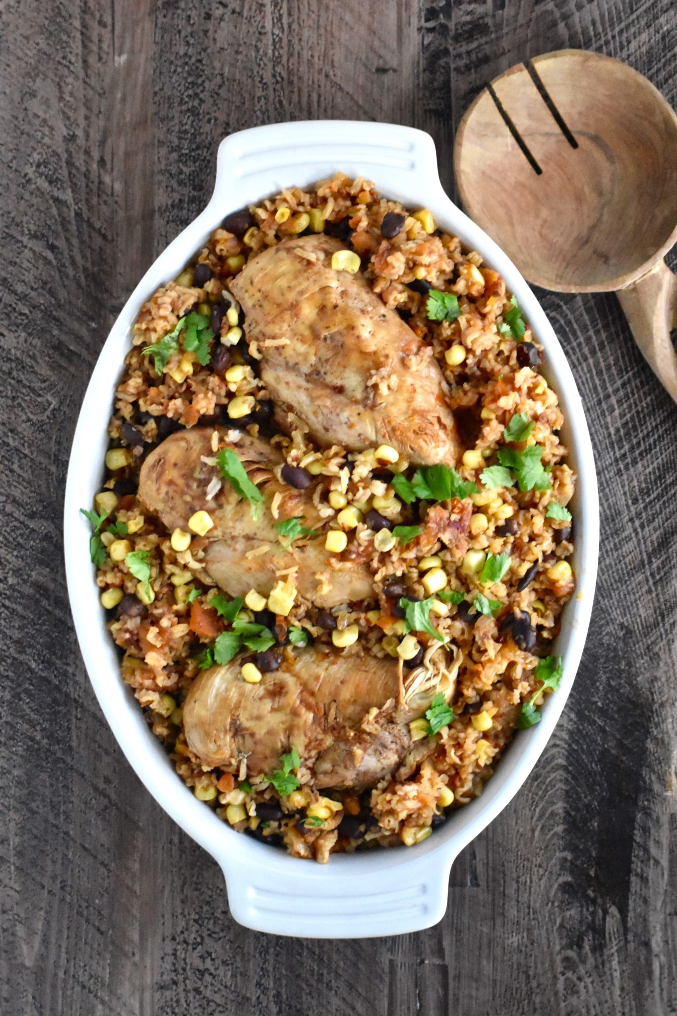one-pot chipotle chicken, black bean and brown rice - loaded with nutrition and you only need to dirty one dish! // cait's plate