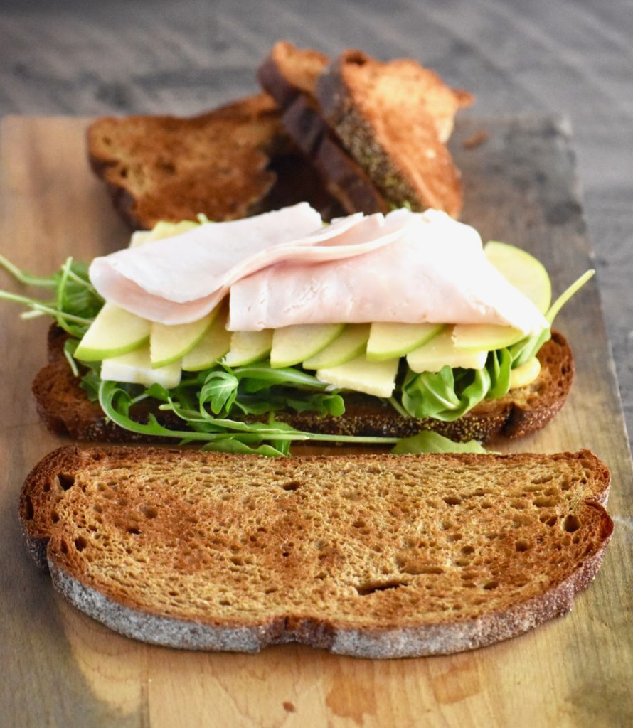 Turkey Apple Cheddar Sandwich Recipe: Cheddar, Apple & Arugula Turkey Sandwich