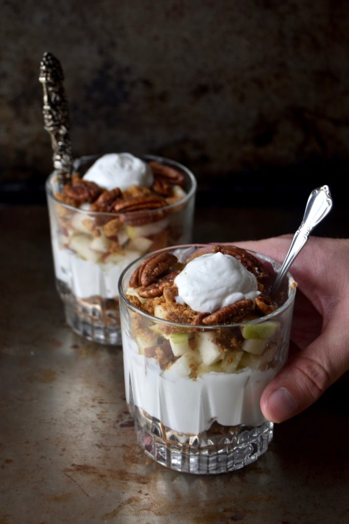 pecan apple crisp parfait - a delicious blend of autumn flavors that will keep you going all morning long // cait's plate