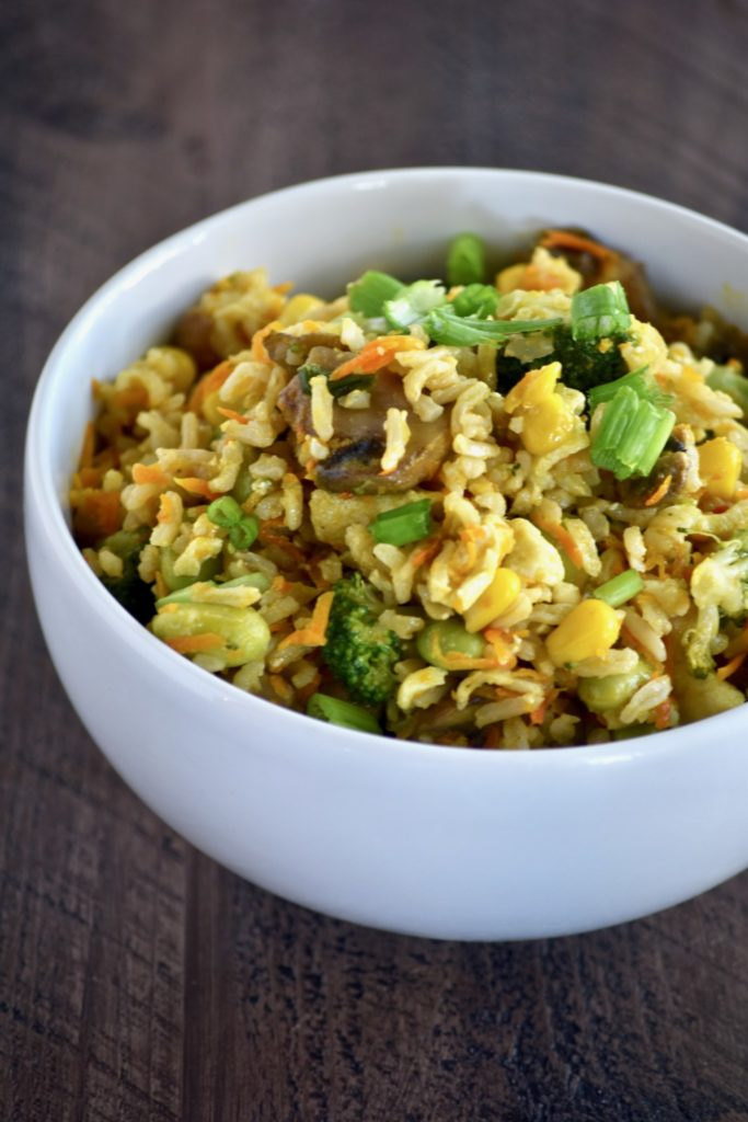 healthier, veggie-packed fried rice - a hearty, veggie-packed dish that packs a nutritious punch! // cait's plate