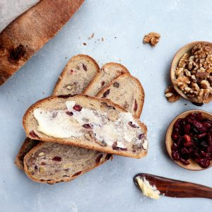 whole grain cranberry walnut bread // cait's plate