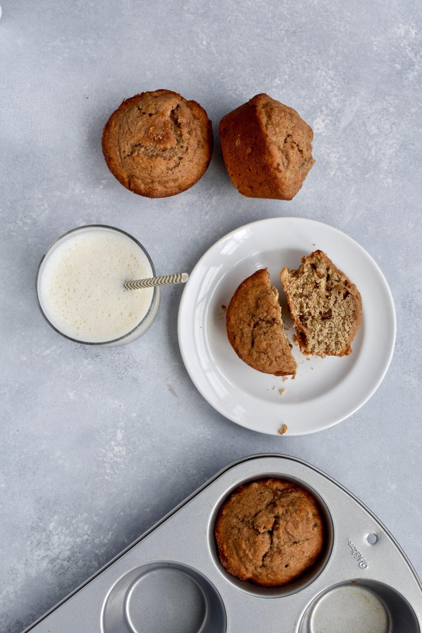 whole grain cinnamon banana walnut muffins // cait's plate