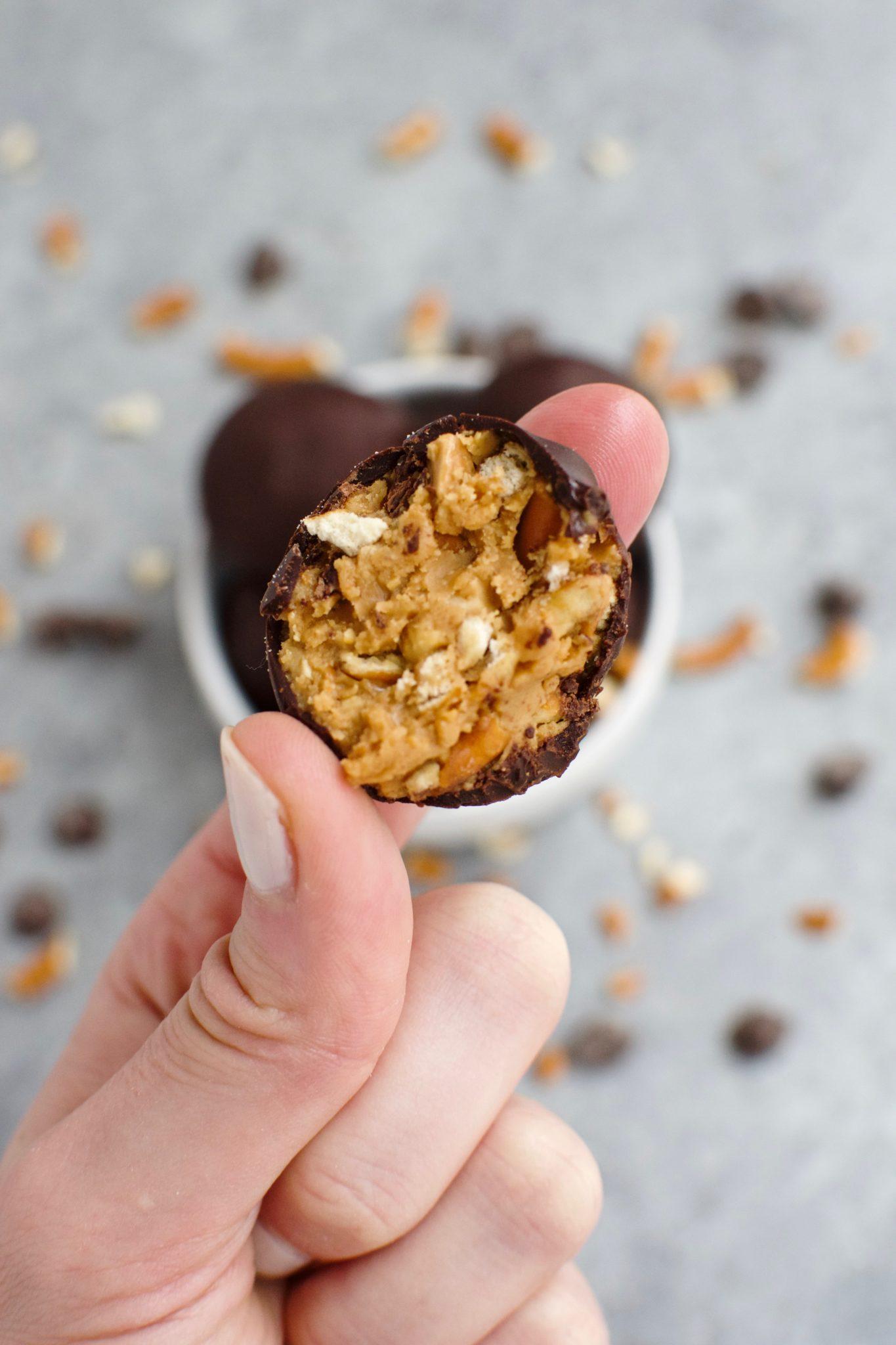 3 ingredient chocolate peanut butter pretzel truffles // cait's plate