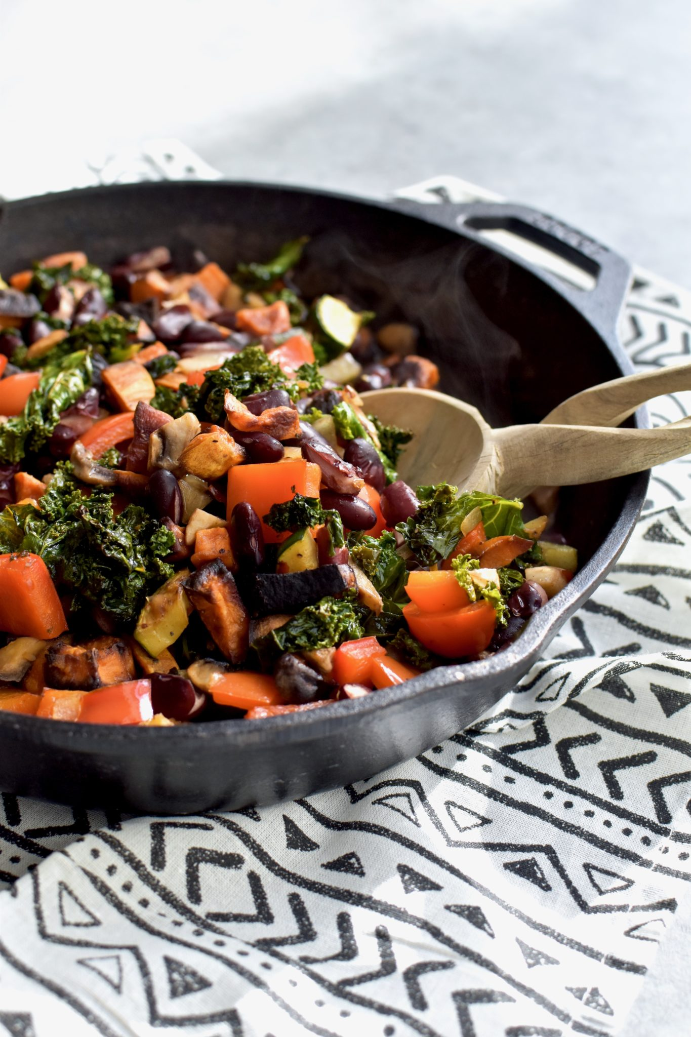rainbow vegan breakfast hash // cait's plate
