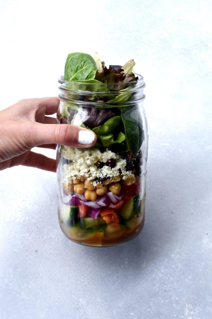 how i make my mason jar salads // cait's plate