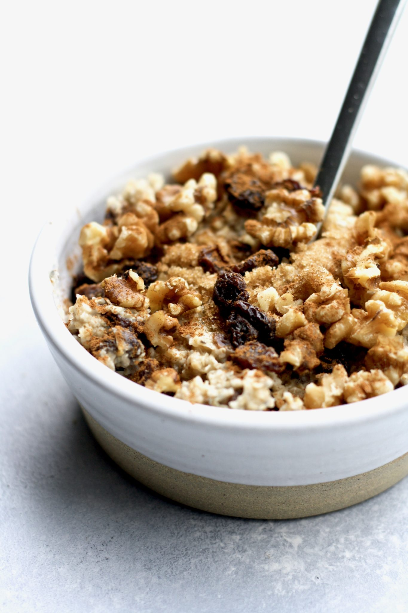 cinnamon raisin walnut oatmeal // cait's plate