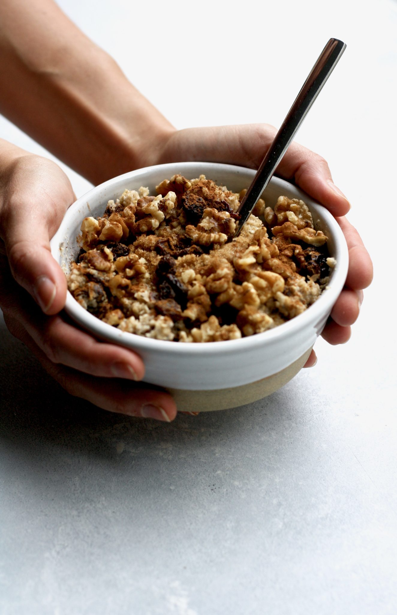 cinnamon raisin walnut oatmeal // cait's plate