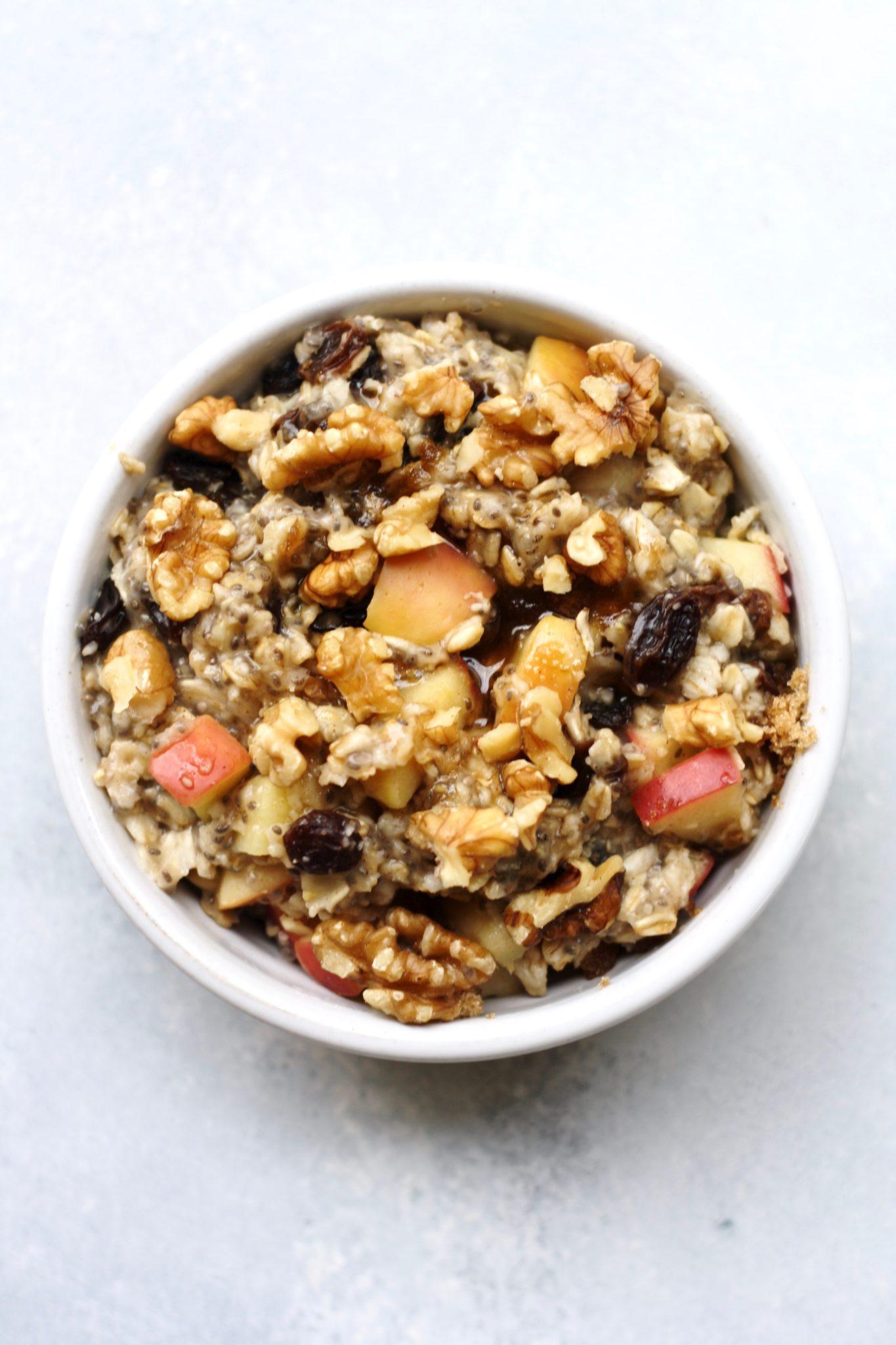 cinnamon raisin apple walnut oatmeal // cait's plate