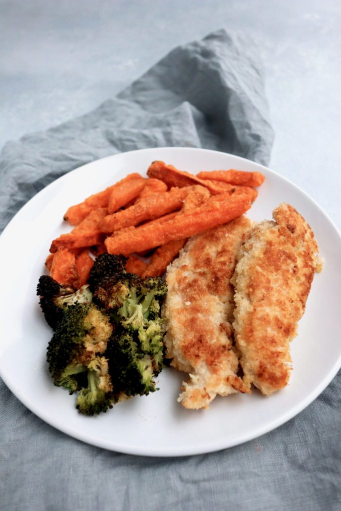 parmesan chicken tenders (+5 ways to serve them!) // cait's plate