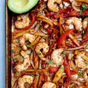 sheet pan shrimp fajitas // cait's plate