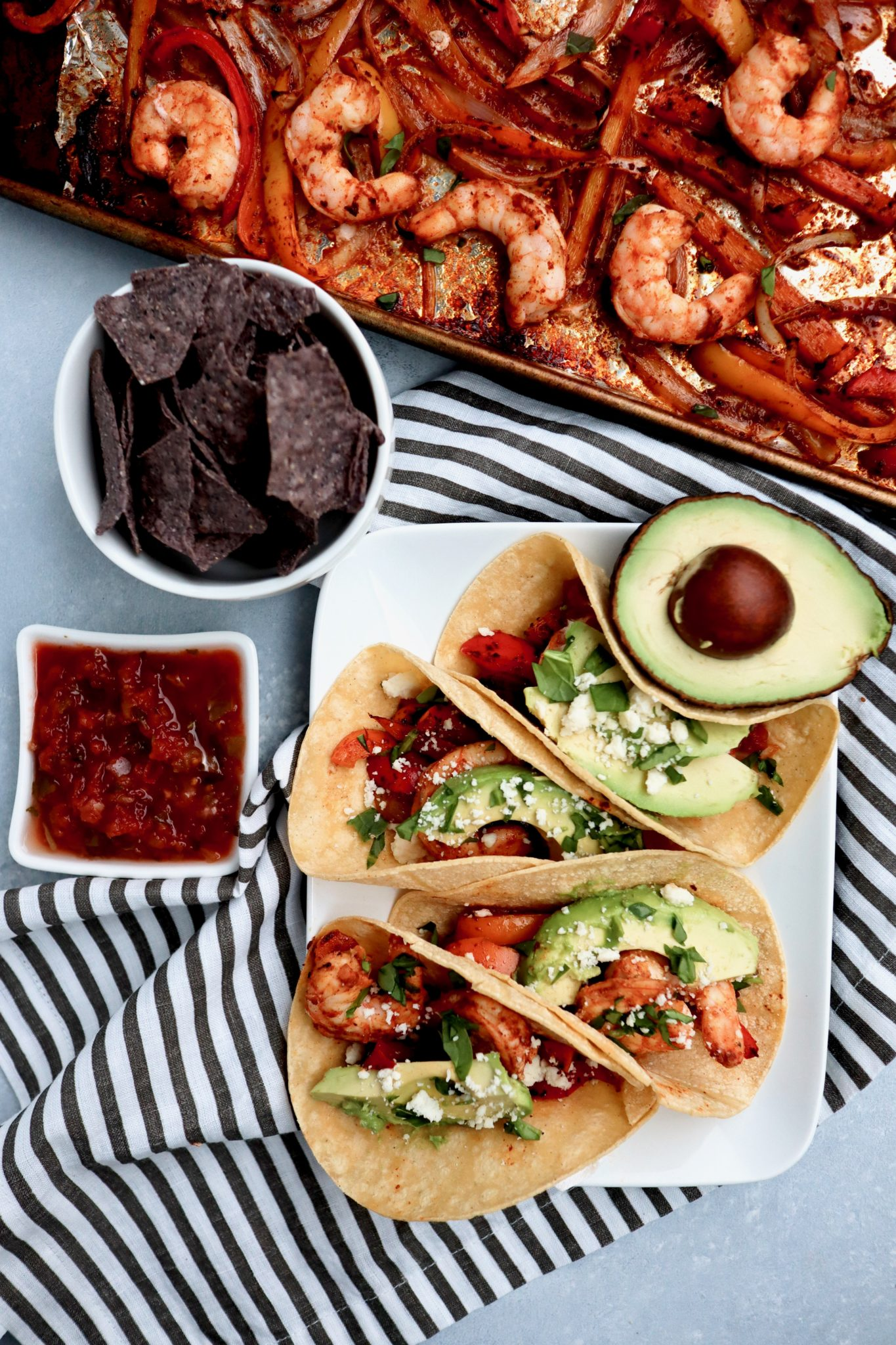 sheet pan shrimp fajitas // cait's plate