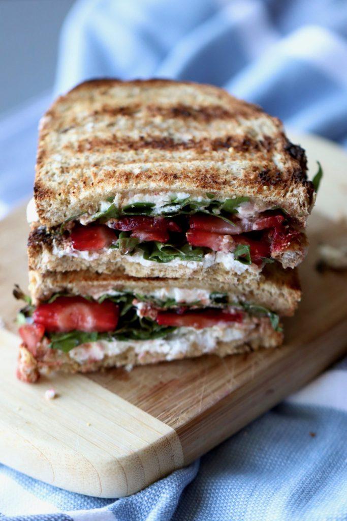 strawberry & arugula goat cheese panini // cait's plate